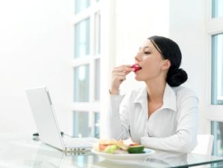 Dipje? 7 tips om fit te blijven op je werk